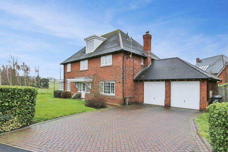 5 Bedrooms Detached House for sale in Wychwood Park, Weston