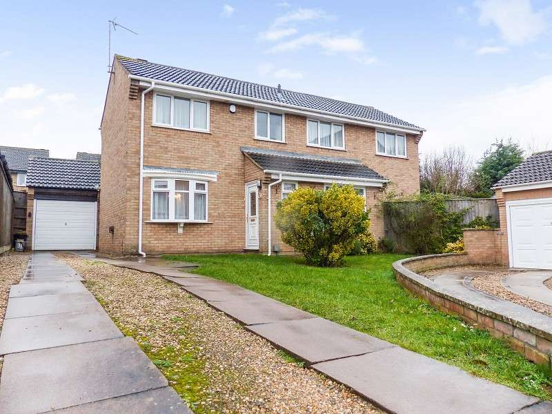 4 Bedrooms Detached House for sale in Squires Gate, Peterborough, Cambridgeshire. PE4 7BT