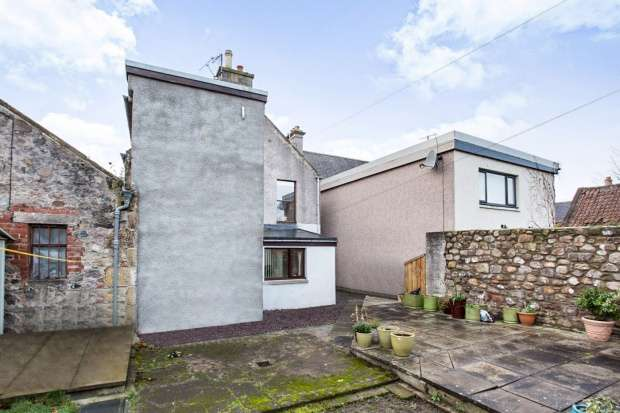 2 Bedrooms Ground Flat for sale in High Street, Bellie, Moray, IV32 7DH