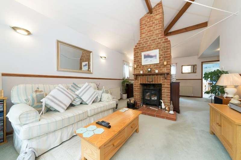 3 Bedrooms Semi Detached Bungalow for sale in Chapel Lane, Fowlmere