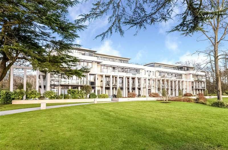 4 Bedrooms Flat for sale in Charters Garden House, Charters Road, Ascot, Berkshire, SL5