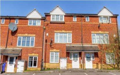 4 Bedrooms House for sale in Martingale Court, Cheetham Hill, Manchester, Greater Manchester