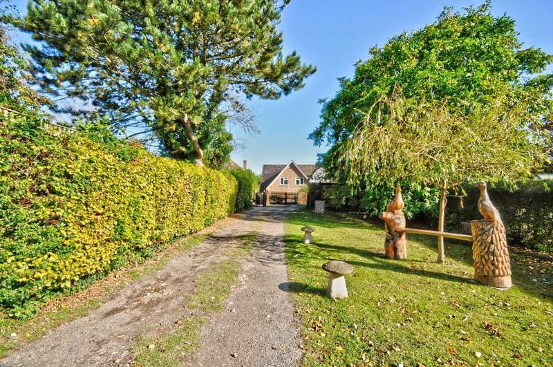 5 Bedrooms Detached House for sale in Lower Road, Postcombe
