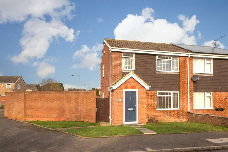 3 Bedrooms Semi Detached House for sale in Ventnor Gardens, Luton