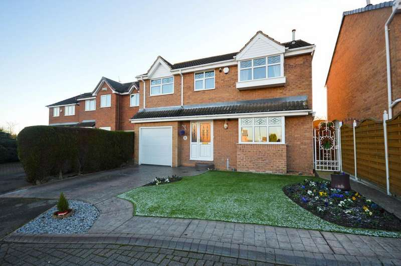 4 Bedrooms Detached House for sale in Lambcroft View, Woodhouse, Sheffield, S13