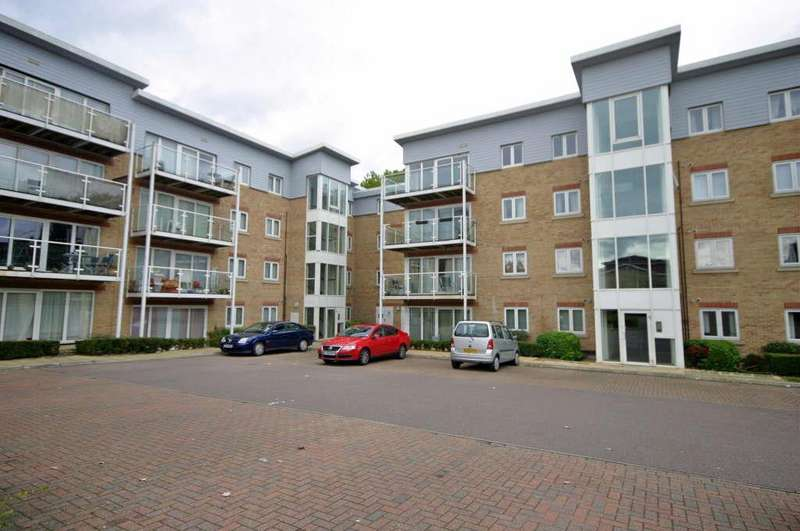 2 Bedrooms Apartment Flat for sale in Wardown Park Area