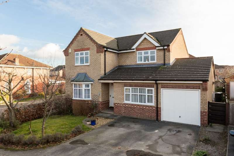 4 Bedrooms Detached House for sale in Thompson Drive, Strensall, York, YO32
