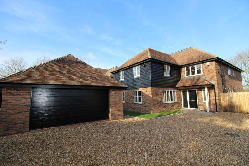 5 Bedrooms Detached House for sale in Plot 2, The Sycamores, Colmworth, MK44