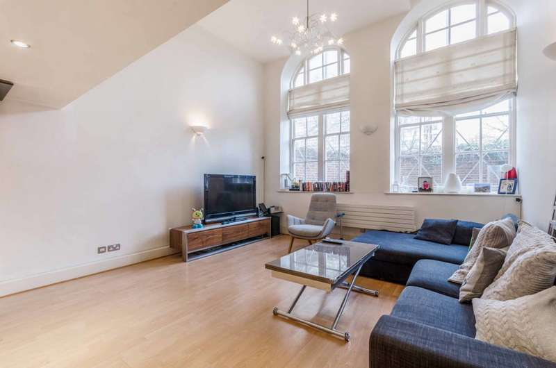 3 Bedrooms Flat for sale in Chequer Street, Clerkenwell, EC1Y