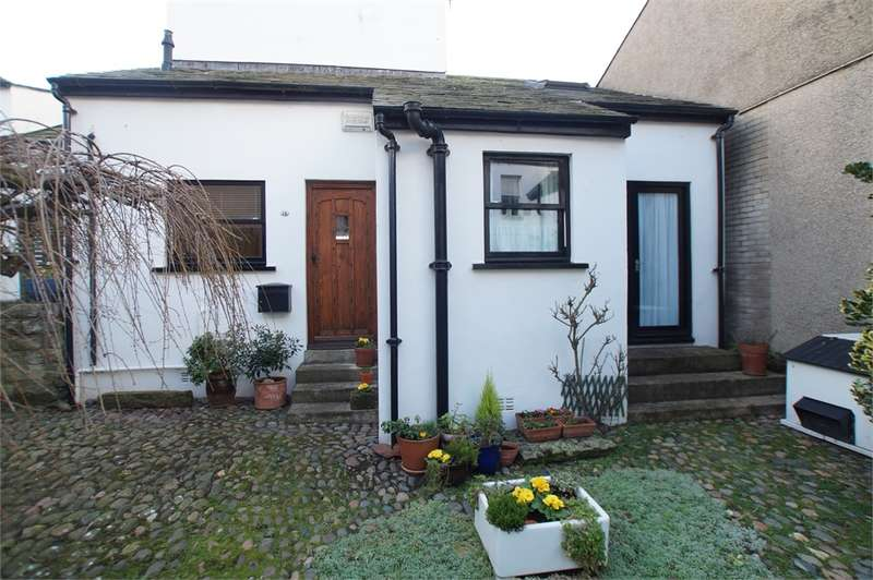 2 Bedrooms Cottage House for sale in CA15 8AE Bridge Street, Maryport, Cumbria
