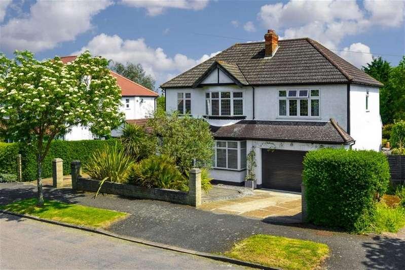 5 Bedrooms Detached House for sale in Mount Park, Carshalton, Surrey