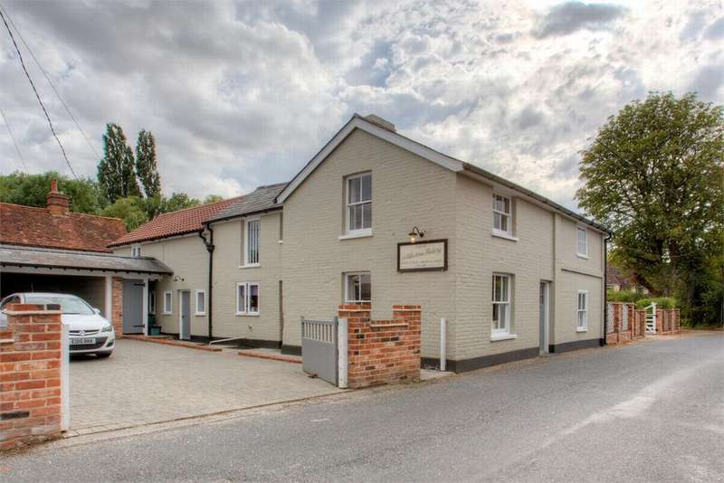5 Bedrooms Detached House for sale in Layer Road, Abberton, Essex