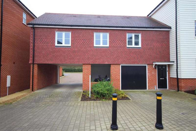 2 Bedrooms Apartment Flat for sale in Clover Rise, Woodley, Reading