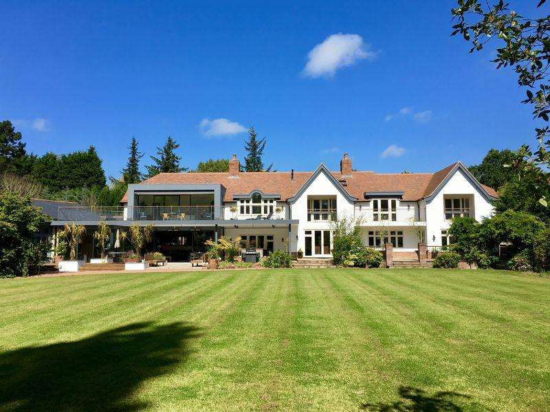 5 Bedrooms Detached House for sale in Glendale Manor, Caldy