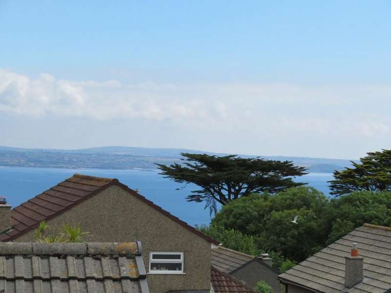 4 Bedrooms Detached House for sale in Chyvellas Close, Newlyn, Penzance