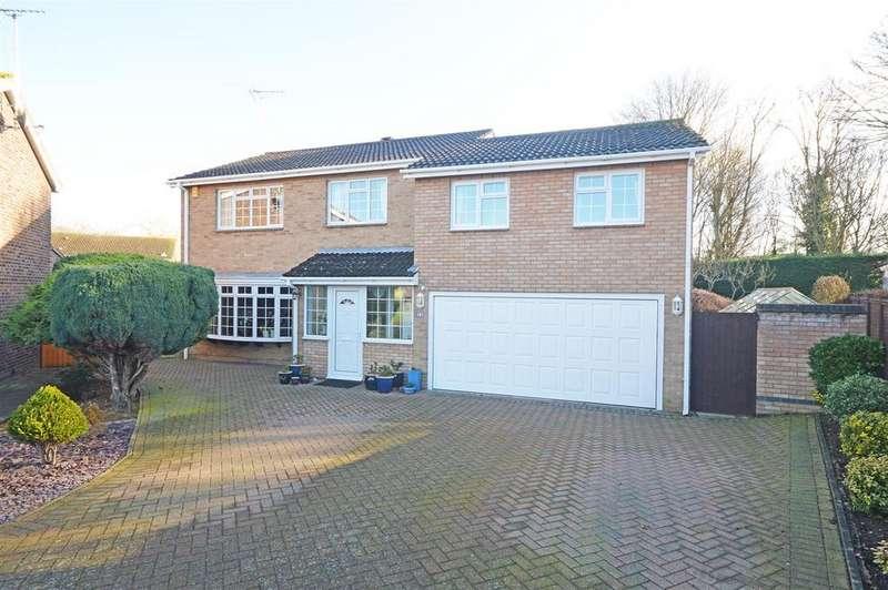 5 Bedrooms Detached House for sale in Royle Close, Orton Longueville, Peterborough