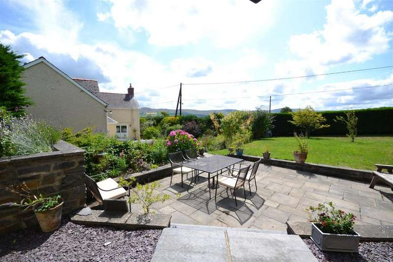 4 Bedrooms Detached House for sale in Newport