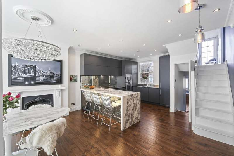 3 Bedrooms House for sale in Campden Hill Road, London. W8
