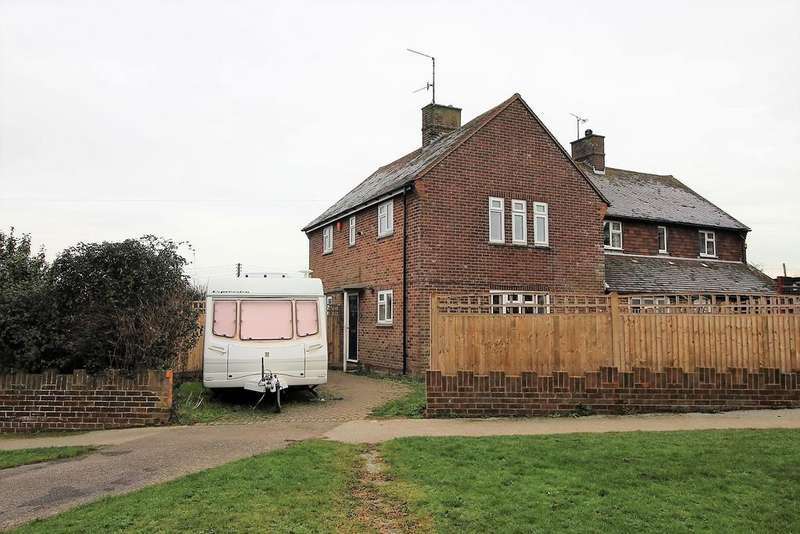 3 Bedrooms Semi Detached House for sale in Hobney Rise, Westham