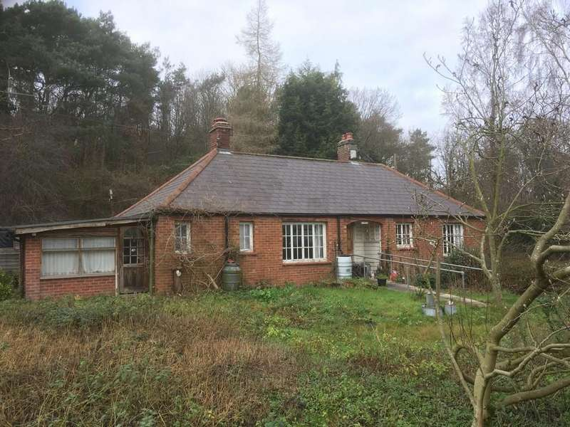 3 Bedrooms Detached Bungalow for sale in Watton Road, Colney, Norwich, Norfolk