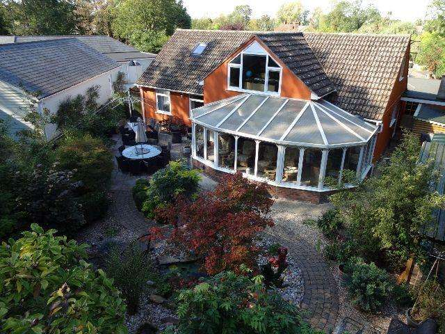 5 Bedrooms Detached House for sale in The Park, Great Barton, Bury St. Edmunds