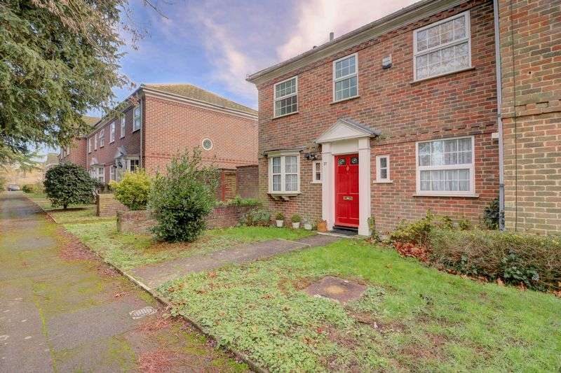 3 Bedrooms Property for sale in Benyon Court, Bath Road, Reading