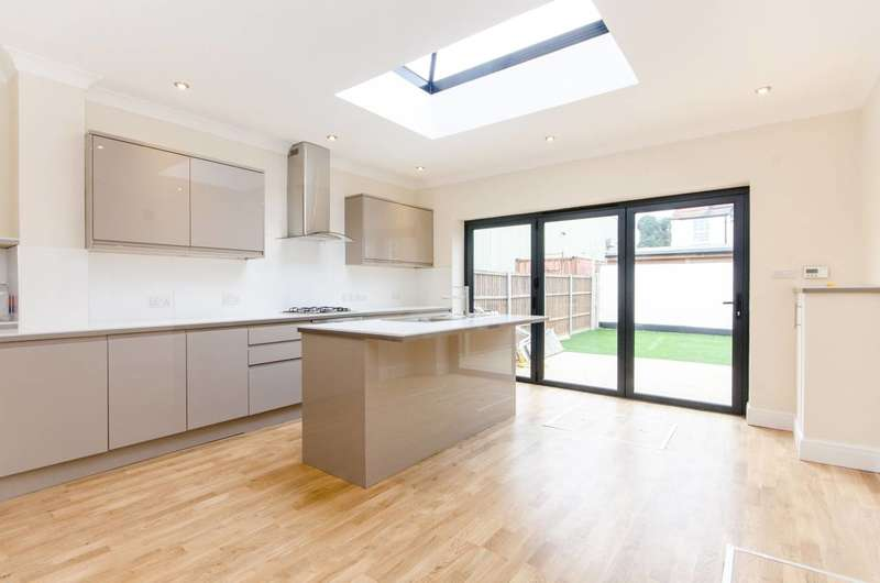 3 Bedrooms End Of Terrace House for sale in Dane Road, South Wimbledon, SW19