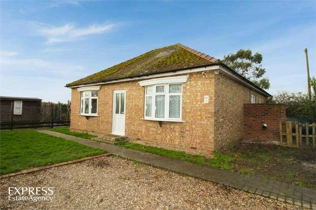 2 Bedrooms Detached Bungalow for sale in Chain Bridge, March, Cambridgeshire