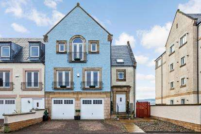 4 Bedrooms End Of Terrace House for sale in Harbourside, Inverkip