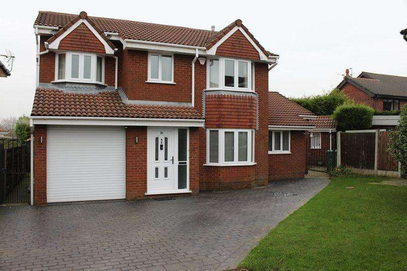4 Bedrooms Detached House for sale in Chapeltown Road, Radcliffe, Manchester