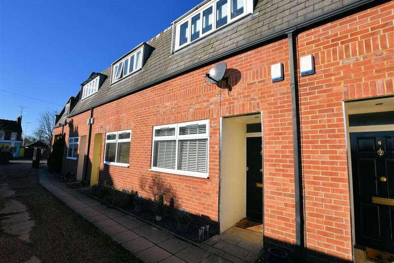 2 Bedrooms Terraced House for sale in Norcot Road, Tilehurst, Reading