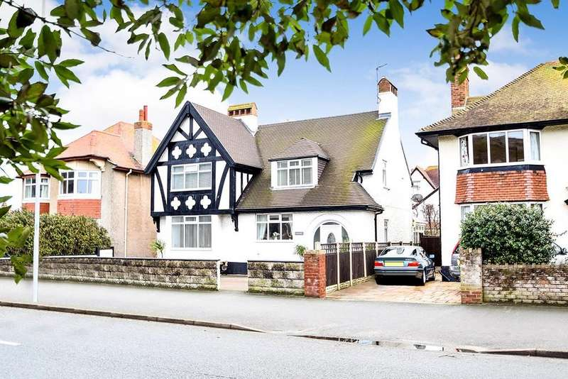 4 Bedrooms Detached House for sale in Gloddaeth Avenue, Llandudno