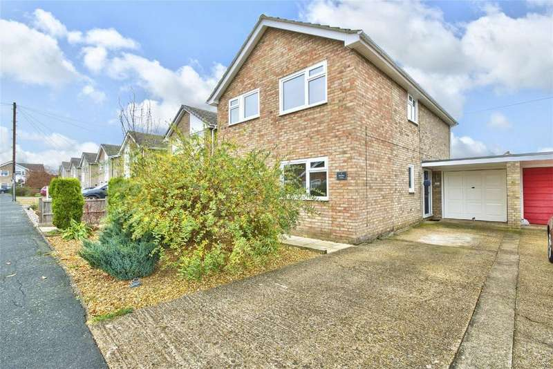 4 Bedrooms Detached House for sale in Bentley Close, Upwood,, Huntingdon, Cambridgeshire
