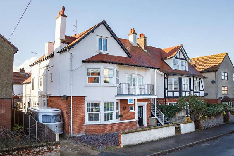 10 Bedrooms Detached House for sale in Montague Road, Sheringham