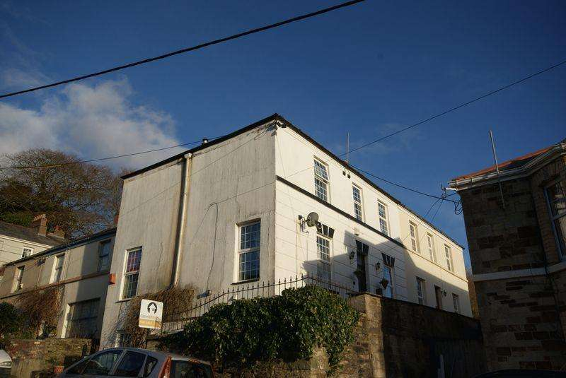 4 Bedrooms Semi Detached House for sale in Castle Street, Bodmin