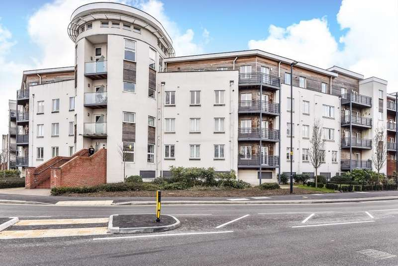 2 Bedrooms Serviced Apartments Flat for rent in Burghley Court, Maidenhead, SL6