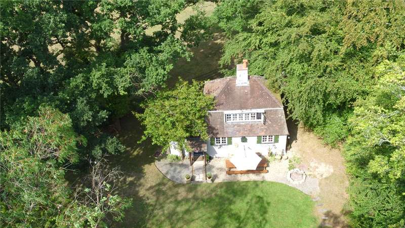 2 Bedrooms Detached House for sale in Honey Lane, Burley, BH24