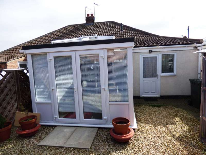 2 Bedrooms Semi Detached Bungalow for sale in ***REDUCED*** Runswick Avenue, Dormanstown