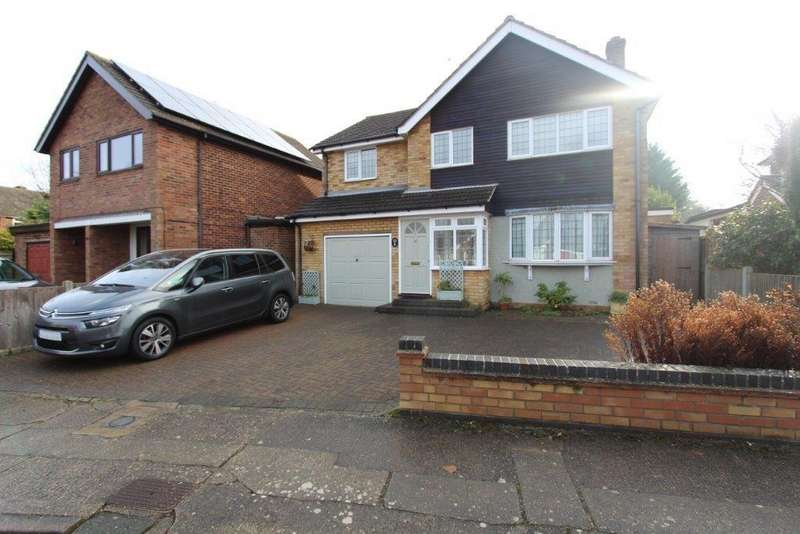 4 Bedrooms Detached House for sale in Burns Avenue, Lexden, Colchester, CO3