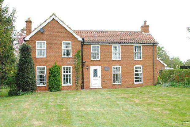 4 Bedrooms Detached House for sale in Brigg Road, North Kelsey, MARKET RASEN