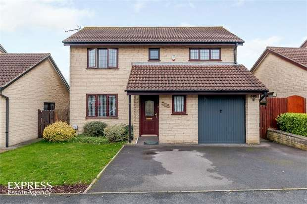 4 Bedrooms Detached House for sale in De Verose Court, Hanham, Bristol, Gloucestershire
