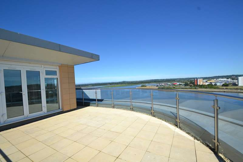 2 Bedrooms Penthouse Flat for sale in Poole