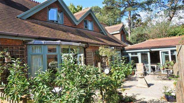 5 Bedrooms Detached House for sale in Branksome Wood Road, Bournemouth
