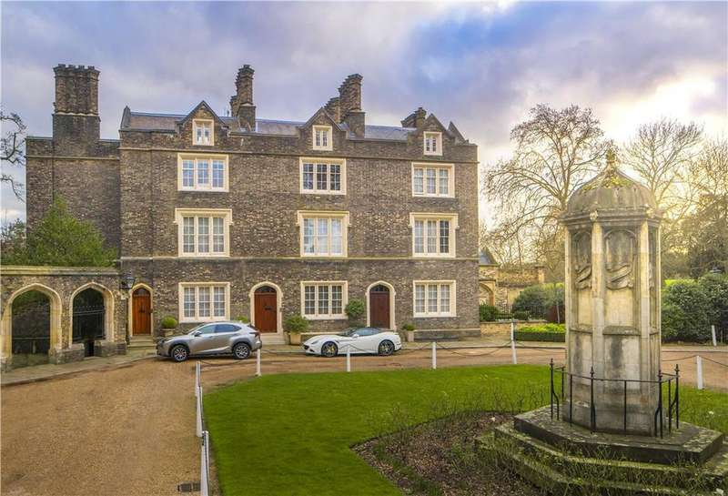 4 Bedrooms Terraced House for sale in St. Katharines Precinct, London, NW1