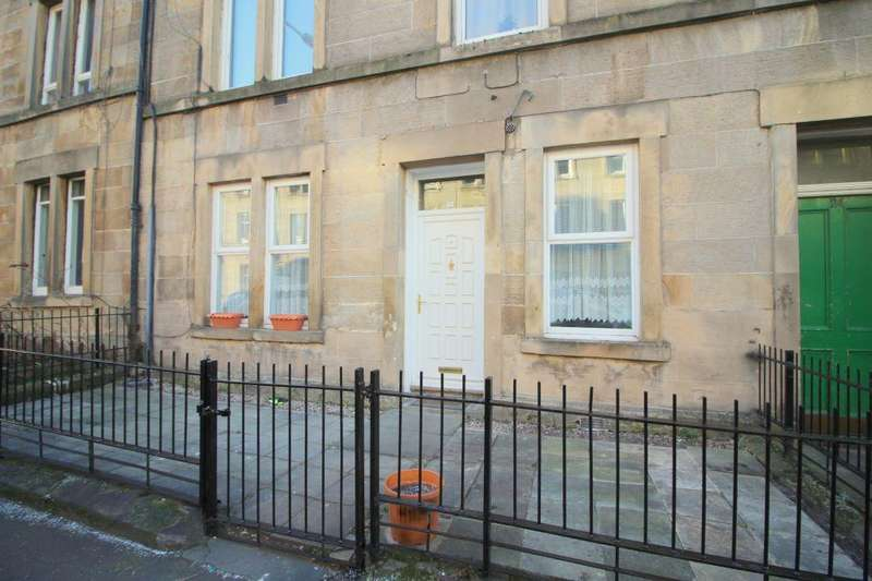 3 Bedrooms Ground Flat for sale in 22 Cathcart Place, Dalry, Edinburgh EH11 2HE