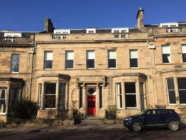 3 Bedrooms Flat for rent in Lancaster Crescent , Hyndland, Glasgow, G12 0RR