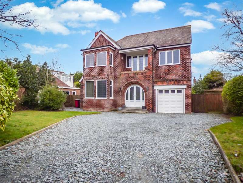 4 Bedrooms Detached House for sale in North Park Drive, Stanley Park, Blackpool