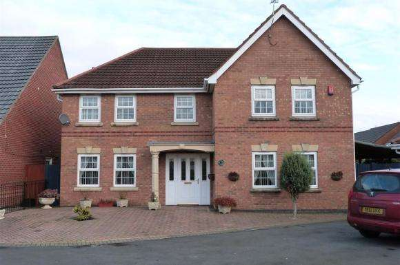 5 Bedrooms Property for sale in Heigham Gardens, St Helens, WA9 5WB