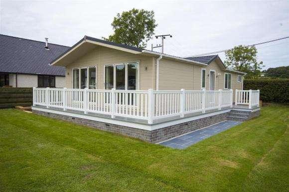 2 Bedrooms Property for sale in Parc Y Wern, Llangoed, Beaumaris