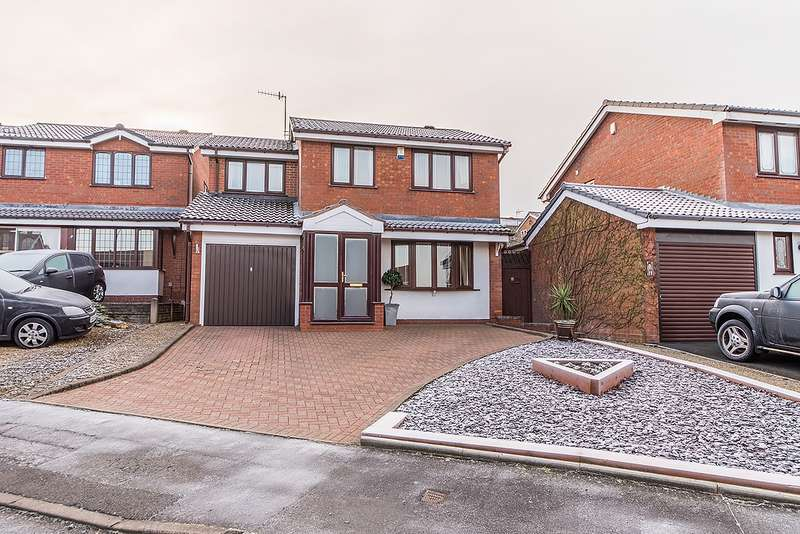 4 Bedrooms Property for sale in Lythwood Drive, Brierley Hill